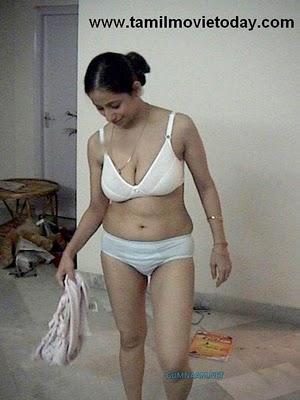 Desi aunty bra image
